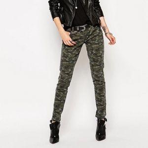 Blank NYC Camo print skinny Jeans